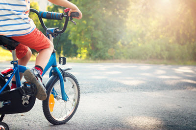 Jaki pierwszy rower kupić dziecku i kiedy wymienić go na większy?