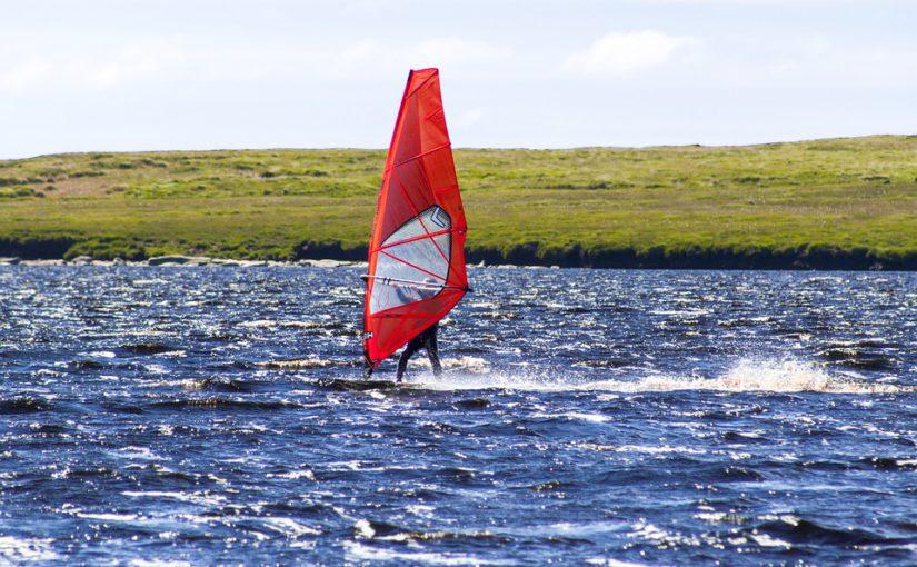 Interesuje cię windsurfing? Nauka możliwa jest dla każdego